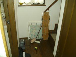 兵庫県西宮市N様 階段昇降機・手すり設置工事前03