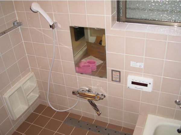 大阪府箕面市W様から浴室水栓(シャワー)取替工事-02