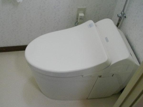 大阪府箕面市I様 トイレ(便器・ウォシュレット)取替交換リフォーム-02