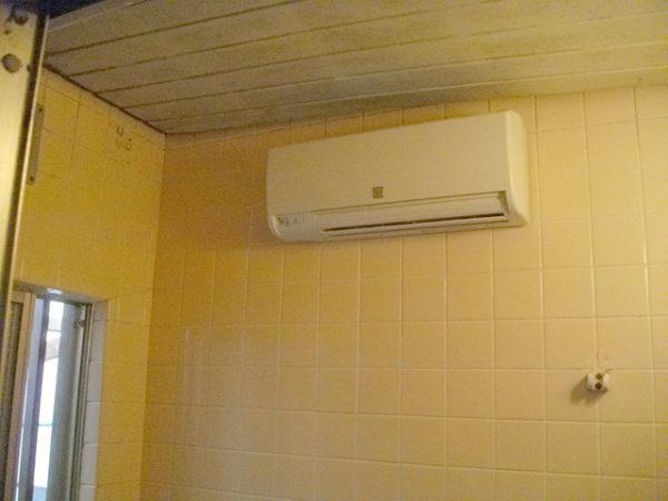 大阪府箕面市M様 浴室暖房乾燥機(カワック)新規取付リフォーム-02