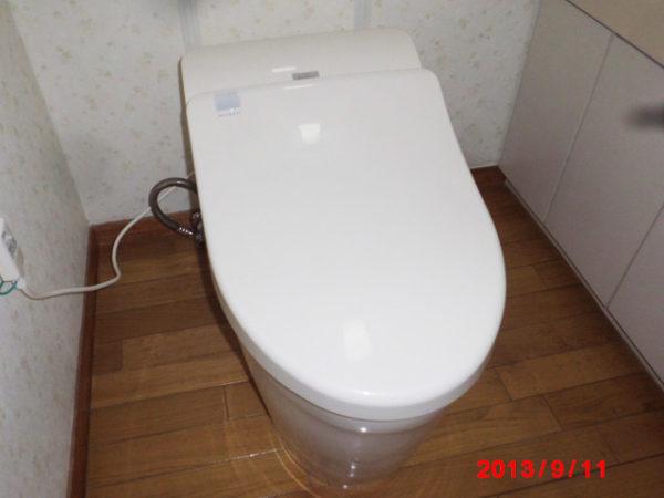大阪府箕面市S様 トイレ(便器・タンク・ウォシュレット)取替交換リフォーム-02