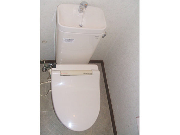大阪府豊中市K様 トイレ(便器・タンク)取替交換リフォーム-02
